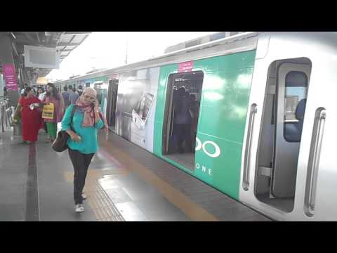 Times OOH Mumbai Metro Oppo Mobile metro train on Track Creating Buzz