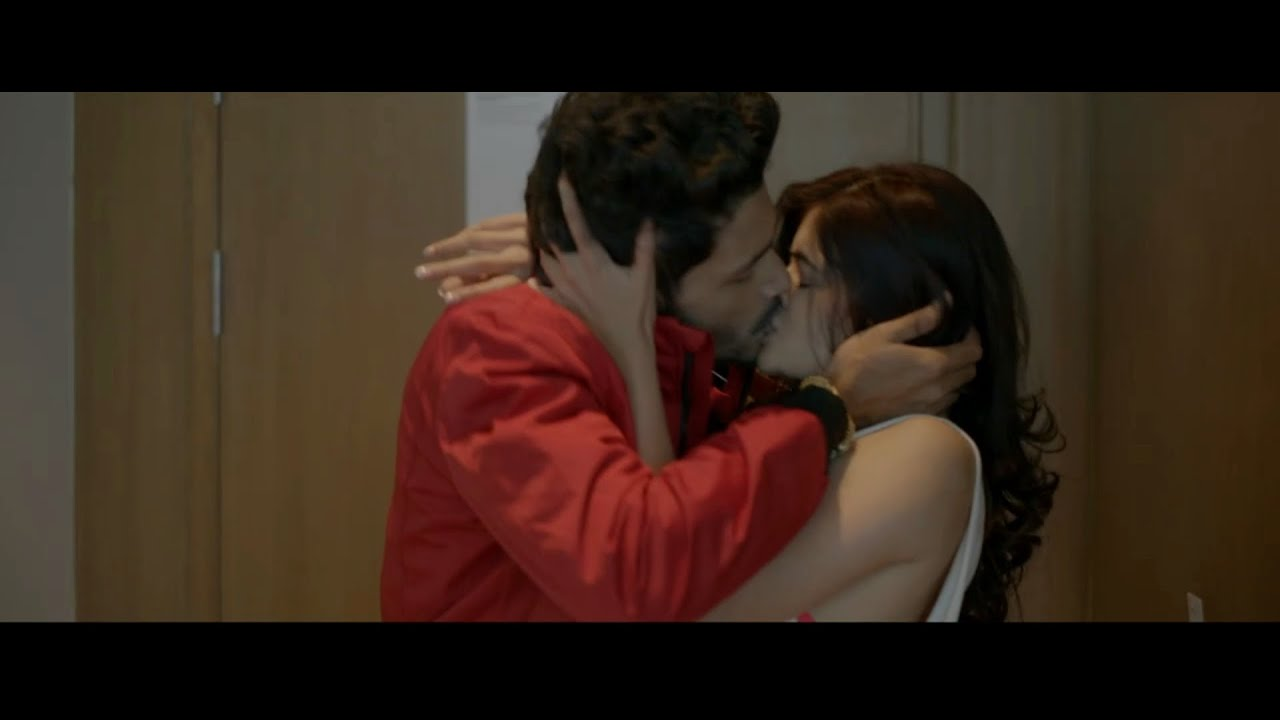 Download Madhumita Sarkar Hot Smooching Scenes
