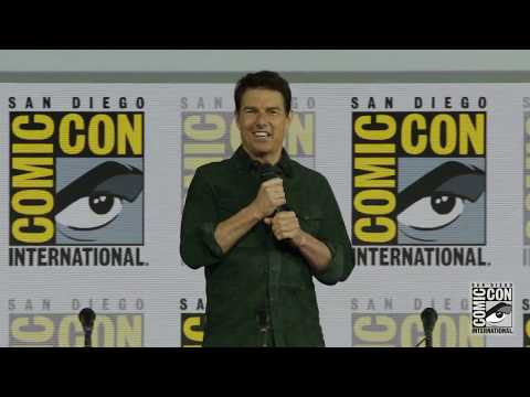 Tom Cruise look-a-like steals the show at San Diego Comic-Con