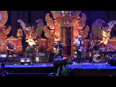 Glenn Fredly & The Bakuucakar - My Everything ~ Happy Sunday @ Sanur Village Festival 2016 [HD]