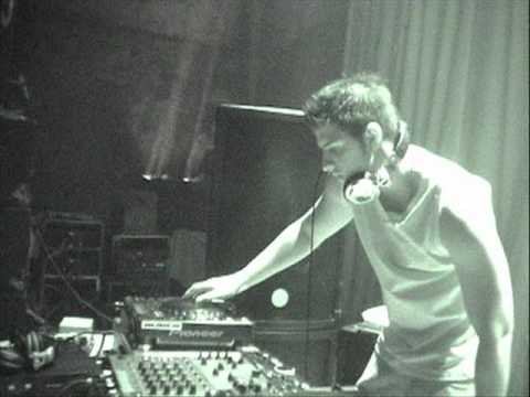 Damian D P - (Live At Oslo Nights March 2005 Part 1 Of 2 (Moses's Catch))