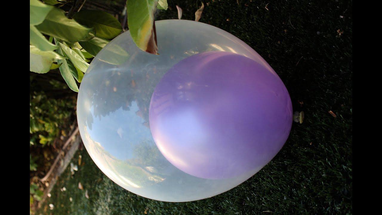 Un globo dentro de otro globo A balloon inside another