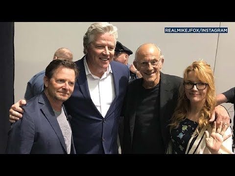 Michael J. Fox and 'Back to the Future' cast reunite at Fan Expo | ABC7