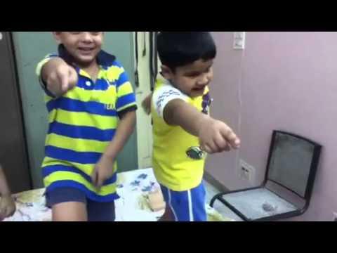 Small kids dance on Palat from Main Tera hero