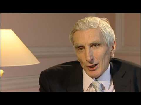 Astronomer Royal tackles space, politics and scientific advice
