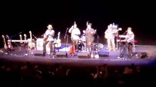 Taj Mahal -everybody is somebody-world blues finale-tulsa 1