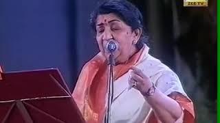 Gambar cover Kabhi Khushi Kabhi Gham - Live Shahrukh Khan | Lata Mangeshkar