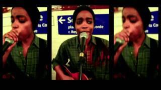 Irma - Concert improvisé dans le métro parisien