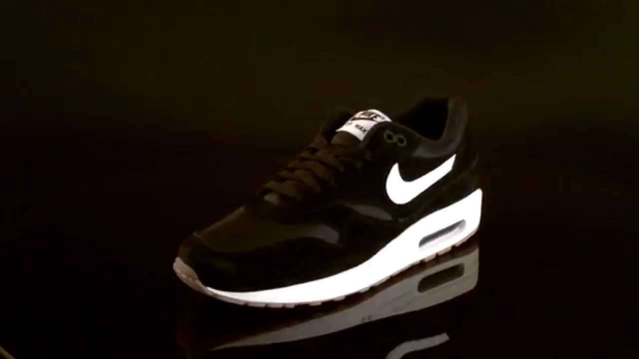 nike air max 1 black with white sole