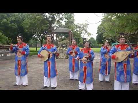 NHẠC CUNG ĐÌNH HUẾ -Dàn nhạc  Dân tộc Nội cung Huế trình diễn