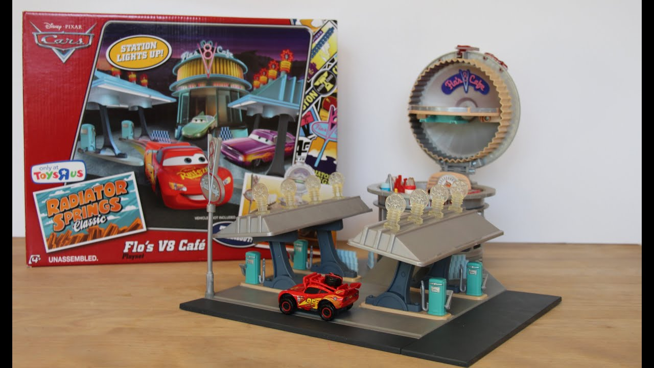 Disney Cars Bedroom Ideas Disney Cars Flo S V8 Caf 233 Playset Radiator Springs
