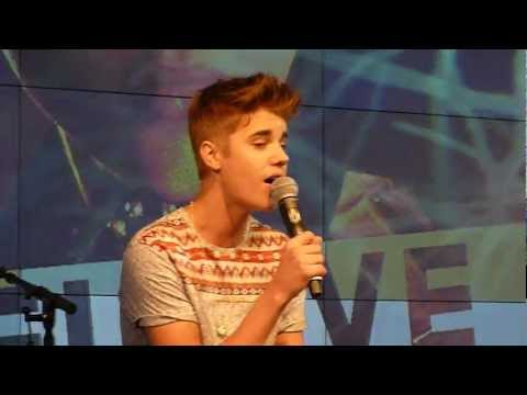 Justin Bieber - Fall - Acoustic @ The Squaire Frankfurt Germany 11.09.2012