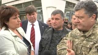 Петро Порошенко спілкується з жителями Святогорська 20 06 2014