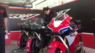 Honda RC213V-S Launch: Warming Up