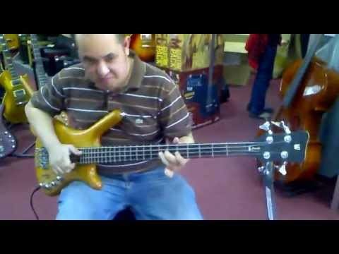 testing the warwick rock bass corvette @ lyric music store main branch