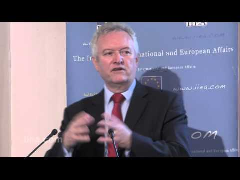 Doing More with Digital: Transforming eGovernment in Ireland - 24 Sept 2013 - Bill McCluggage