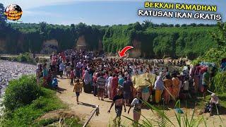 Download Berkah Ramadhan! Warga Ambon Berebut Nyemplung Ke Sungai, Ternyata Banyak ini…