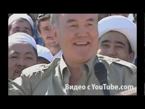 Nursultan Nazarbayev şarkı söylüyor