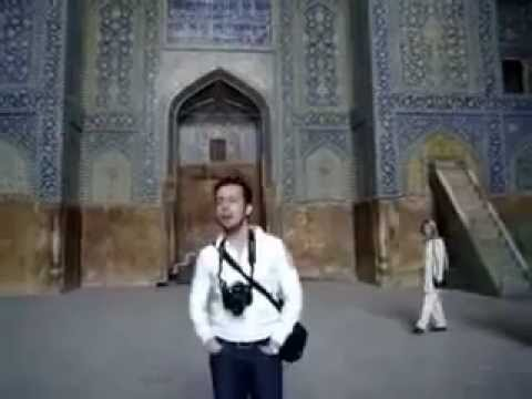 Beautiful singing in Esfahan's most famous mosque