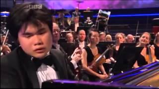 Японский пианист слепой от рождения исполняет 2 й фортепианный концерт Рахманинова