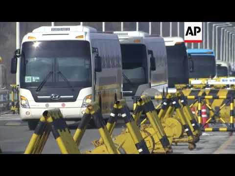 Group of 280 North Koreans cross into South Korea for Olympics