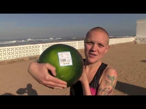 Vegan New Year in Temara, Morocco + fruitarian beach exercise!
