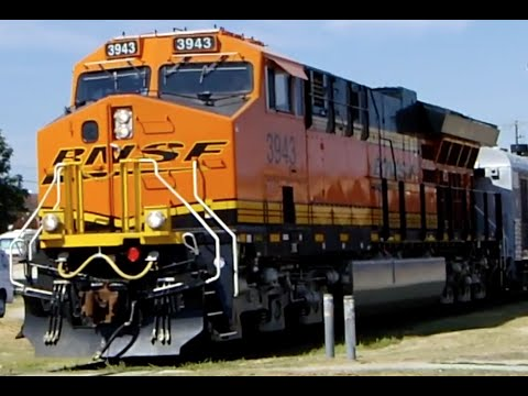 Cab Tour of an ET44C4 & the BNSF Business Train!!!
