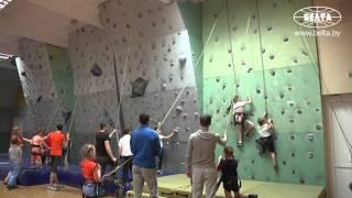 Тренировки по скалолазанию проходят в Минске