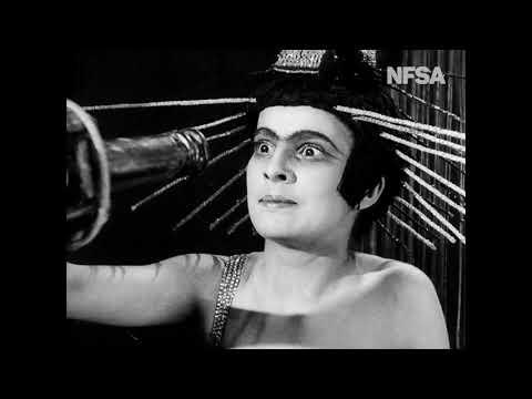 Aelita, Queen of Mars - Earthlings arrive in Mars (1924)