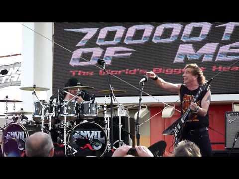 Anvil - School love - 70000 Tons of metal 2015