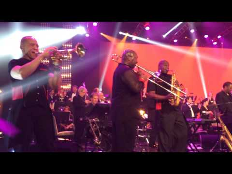 Earth Wind and Fire - Shining Star - Horn Section