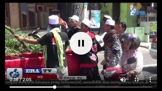 Meski Lelah Jalan Kaki, Peserta Reuni 212 Kuningan Bantu Mendorong Mobil Mogok