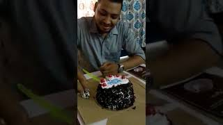Most funny cake cutting 😂😂🙈