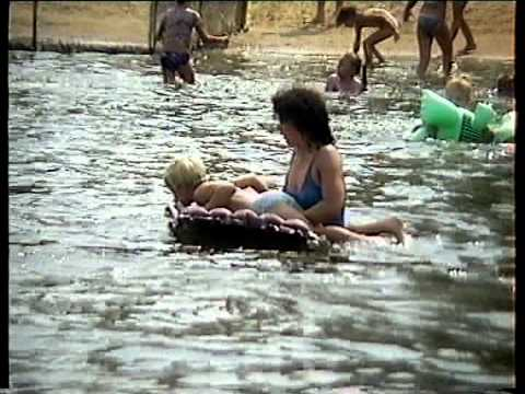 Wagonikami nad jezioro   Gołdap plaża OSiR 1992r  0 09 godz