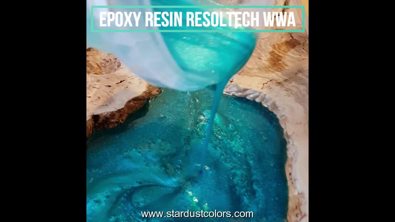 Meuble Avec Resine Epoxy table rivi�re avec r�sine �poxy et poudre de nacre