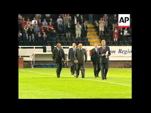 UK: MOHAMED AL FAYED GIVEN OVATION AT FULHAM SOCCER MATCH