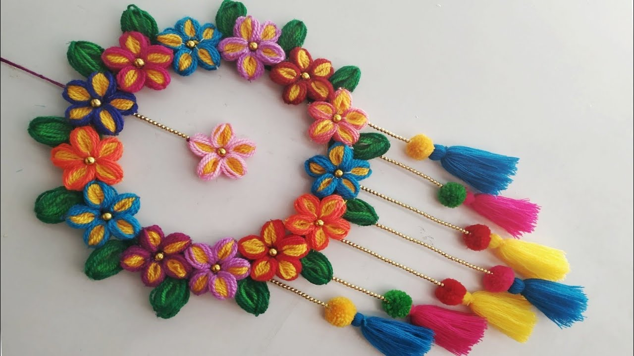 Diy Wall Hanging Out Of Wool Wool Flower Making Home