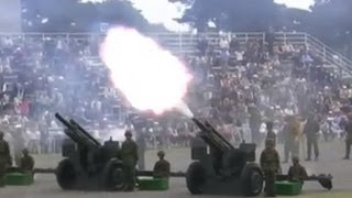 "Tchaikovsky ""1812 Overture"" with 105mm Cannons 20101017 (2/2)"