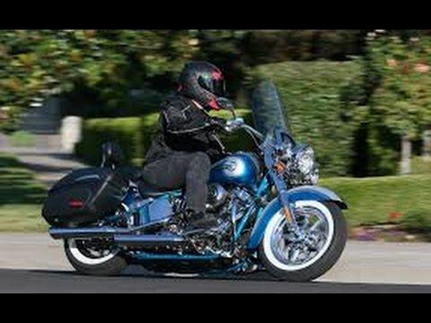 Harley Softail Deluxe Nostalgia True Dual Exhaust