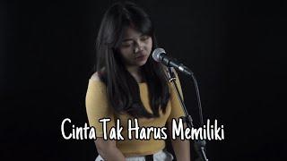 Download Lagu CINTA TAK HARUS MEMILIKI ST 12 (LIRIK) LIA MAGDALENA COVER mp3