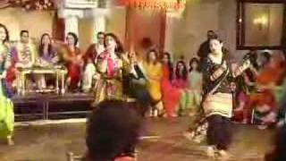 Mehndi Girls Dance - It