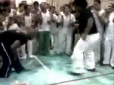 Prof. Onça (Atitude Capoeira) Cm Javali (Candeias) - Perú