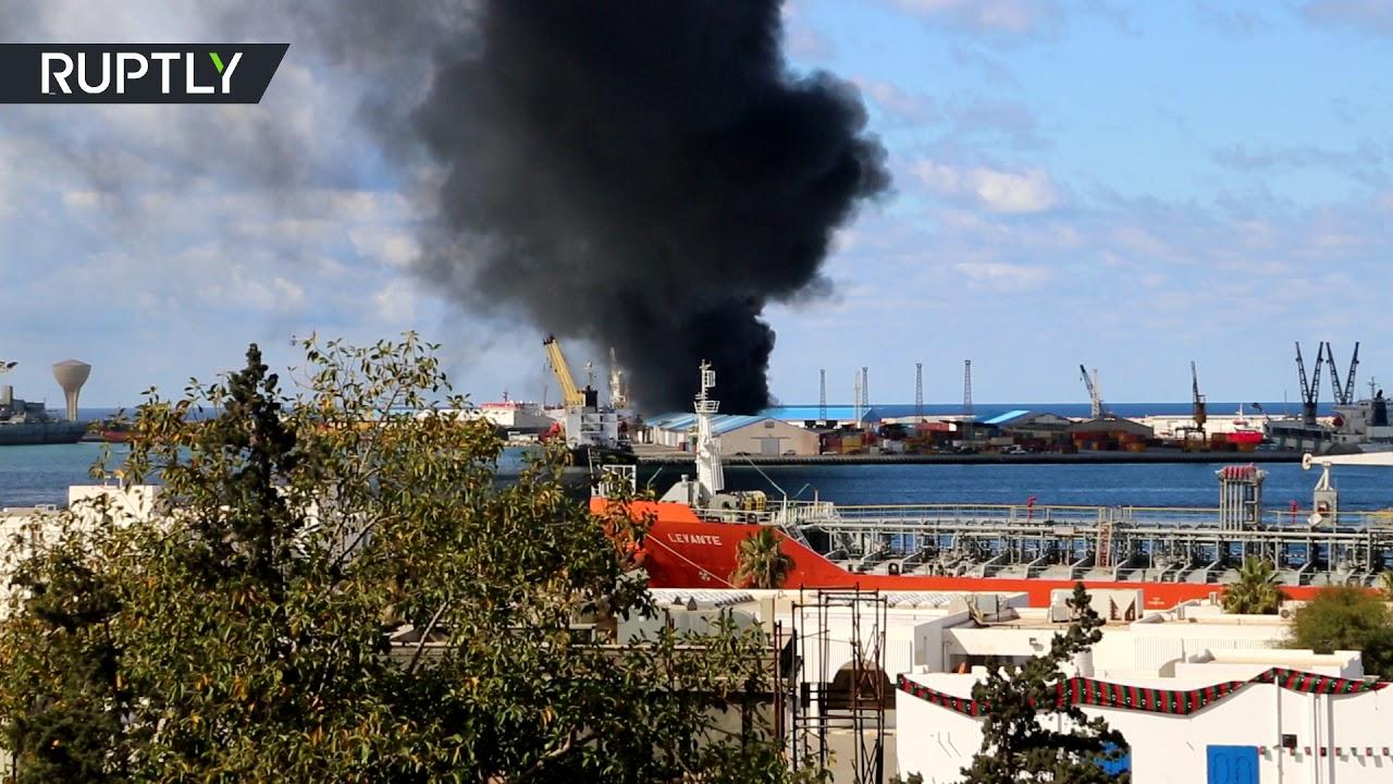 مقطع يعرض لأول مرة.. لحظة انفجار في ميناء طرابلس