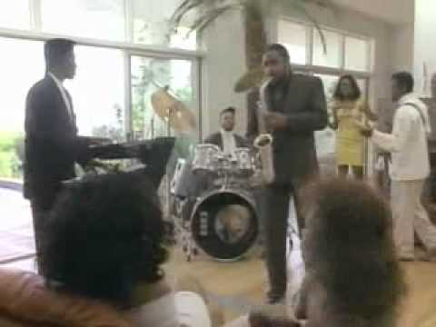Gerald Albright - In The Mood.flv