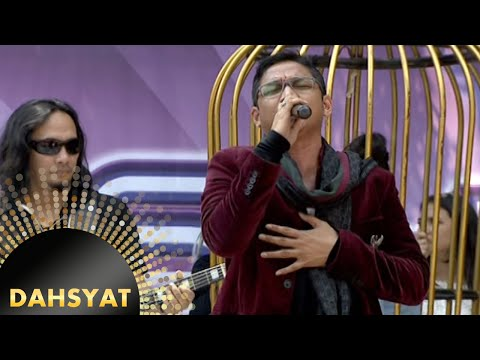 Ungu Nyanyi 'Andai Aku Bisa' Bareng Clickers [Dahsyat] [11 Jan 2016]