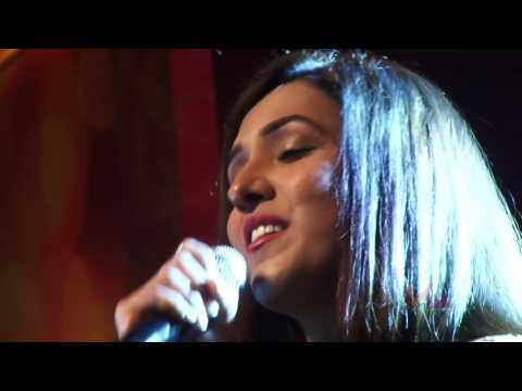 Neeti Mohan LIve Songs