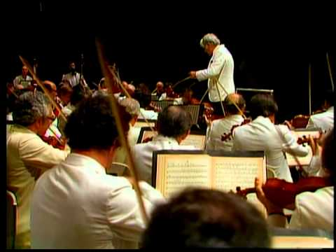 Shostakovich: Symphony No. 5 / Bernstein · New York Philharm