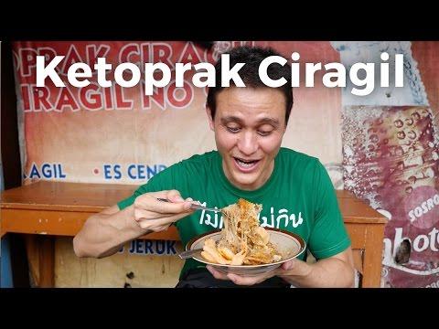 Jakarta Street Food - FAMOUS KETOPRAK at Ketoprak Ciragil in Jakarta, Indonesia!