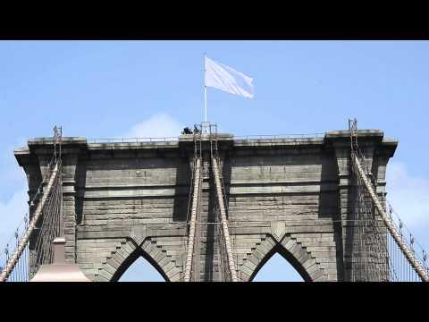 White flags fly from Brooklyn Bridge after security breach
