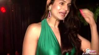 Amisha Patel Hot Wet Bollon Show !